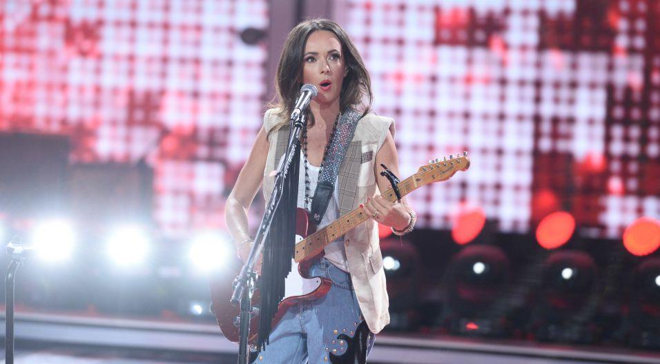 To był jubileuszowy występ także dla Kasi Kowalskiej. Wokalistka, na polskiej scenie jest już 25 lat! (fot. J. Bogacz/TVP)