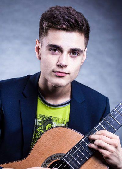 Kacper Dworniczak – gitara