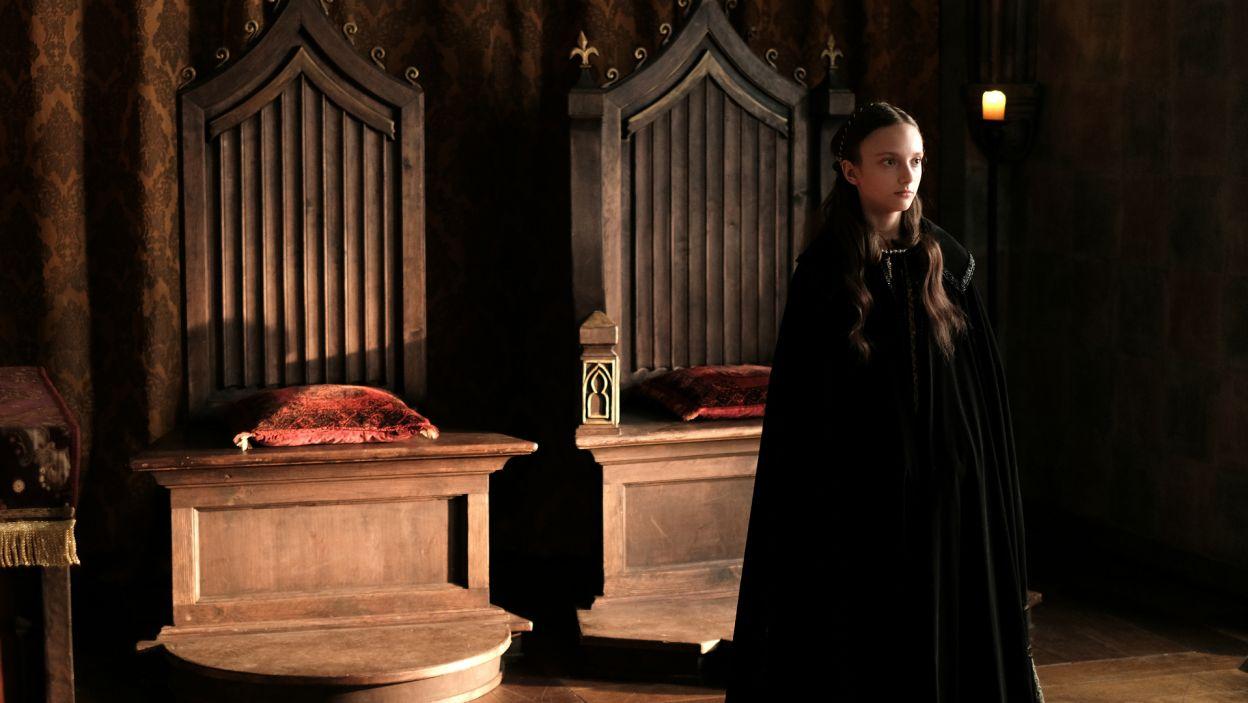 Od tej pory, Jadwiga otrzymuje staranną naukę i przygotowuje się do przyszłej roli, królowej Polski (fot. TVP)