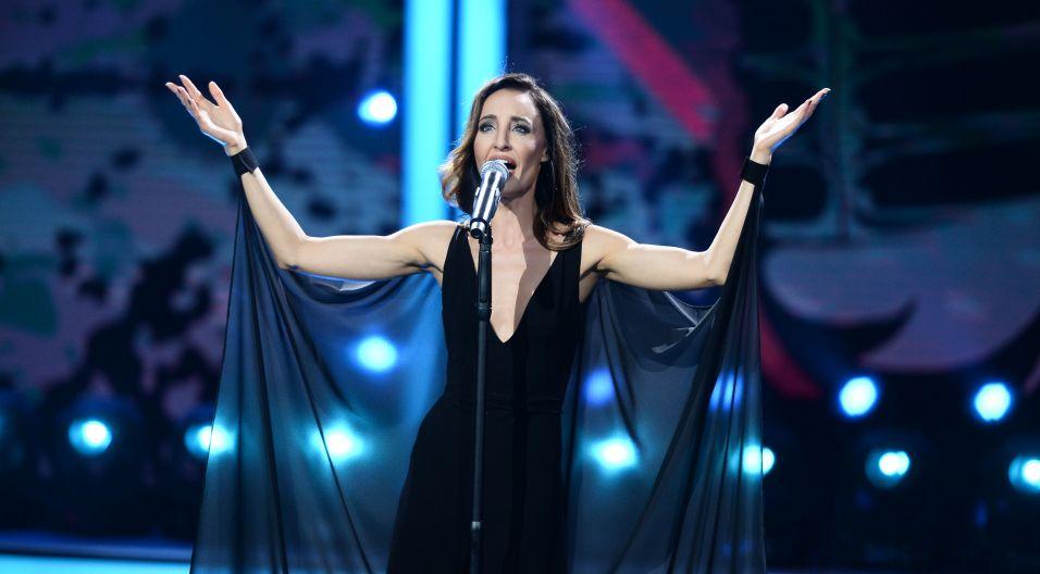 """Agata Nizińska zaśpiewała piosenkę Edwarda Stachury """"Życie to nie teatr"""" (fot. Jan Bogacz/TVP)"""