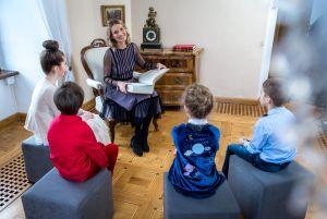 dziecieca-wyobraznie-rozbudzaja-joanna-moro-i-agata-zalecka-dzieki-lekturze-krolewskich-bajek
