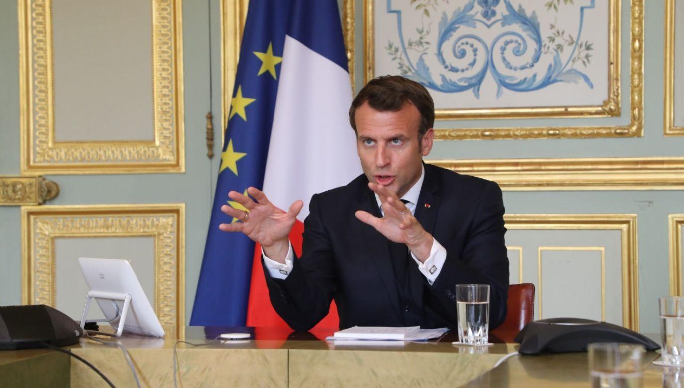 Prezydent Francji Emmanuel Macron w trakcie wideokonferencji ze Światową Organizacją Zdrowia (fot. PAP/EPA/LUDOVIC MARIN / POOL)