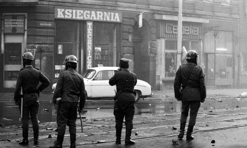 Szczecin, stan wojenny. Fot. PAP/Jerzy Undro