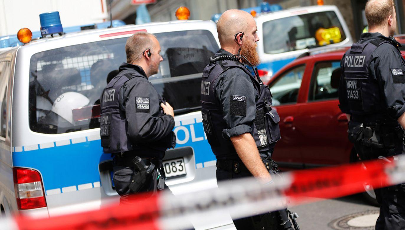 W wyniku akcji niemieckich służb specjalnych zatrzymano sześciu podejrzanych o planowanie zamachu terrorystycznego (fot. PAP/EPA/THOMAS BANNEYER)