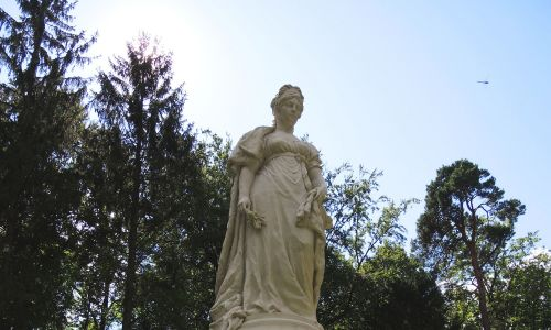 W Tylży (obecnie Sowieck) do parku miejskiego wróciła pomnik królowej Prus Luizy, a raczej jego kopia. Fot. Wikimedia Commons/Rost.galis - Own work, CC BY-SA 4.0