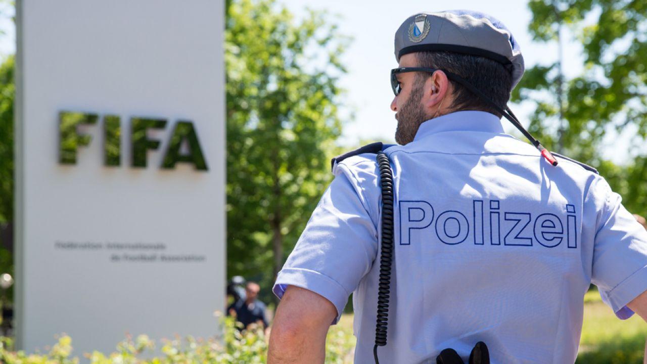 Interpol ogłosił listy gończe za kilkoma działaczami FIFA (fot. Getty/Philipp Schmidli / Stringer)