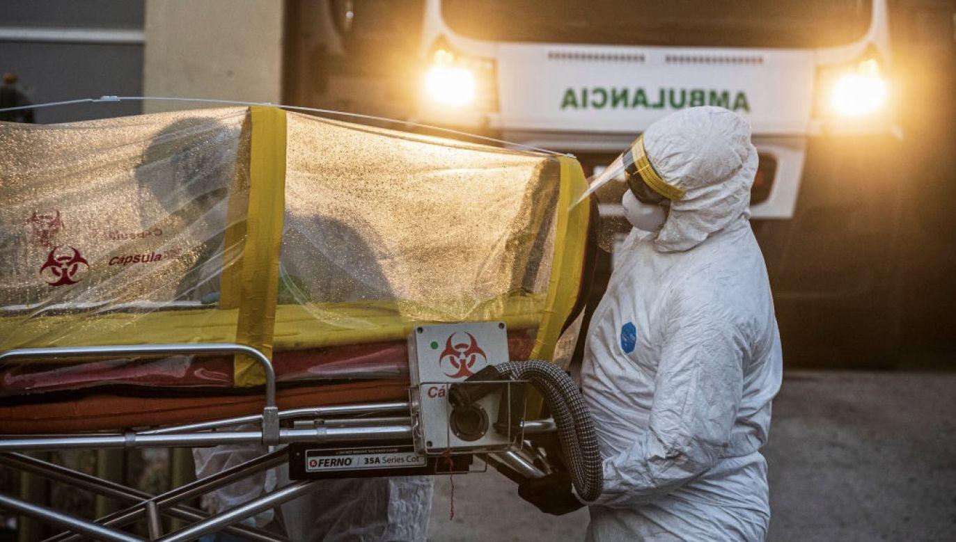 Najwięcej nowych zakażeń wykryto w USA, Brazylii, Indiach i RPA (fot. Alfredo Martinez/Getty Images)