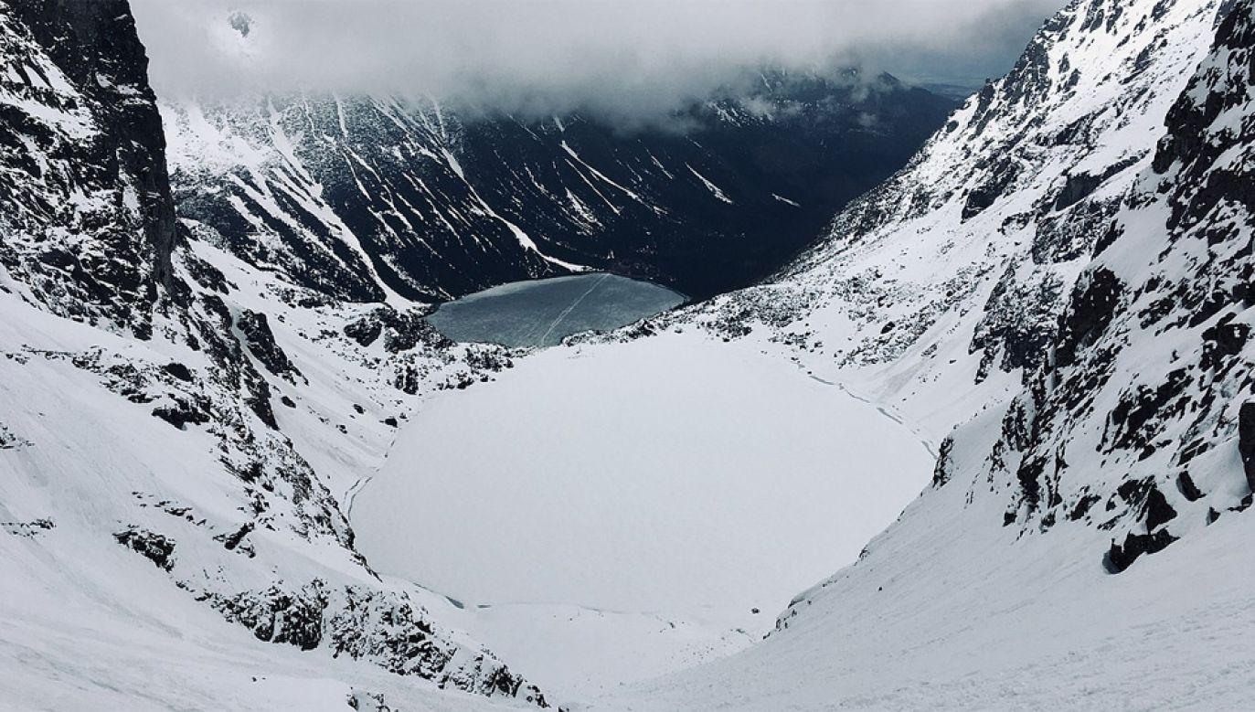 W Tatrach panują typowo zimowe warunki do uprawiania turystyki (fot. Wiki 4.0/kallerna)