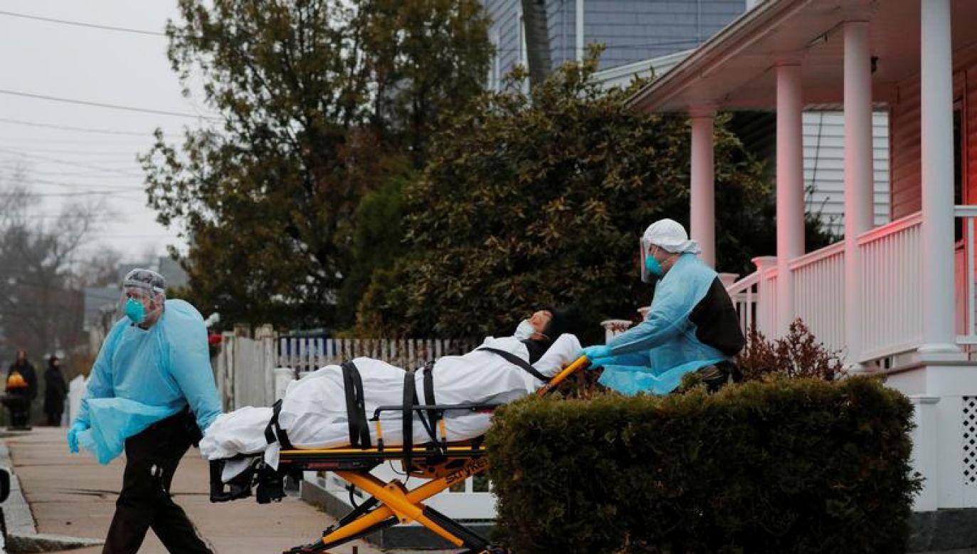 W sumie w USA jest 7406 ofiar śmiertelnych (fot. REUTERS/Brian Snyder)