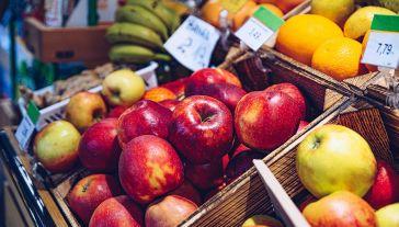 3,5 mld kilogramów na sezon. Polska pozostaje największym producentem jabłek w Europie. (fot. Shutterstock/Daniel Jedzura)