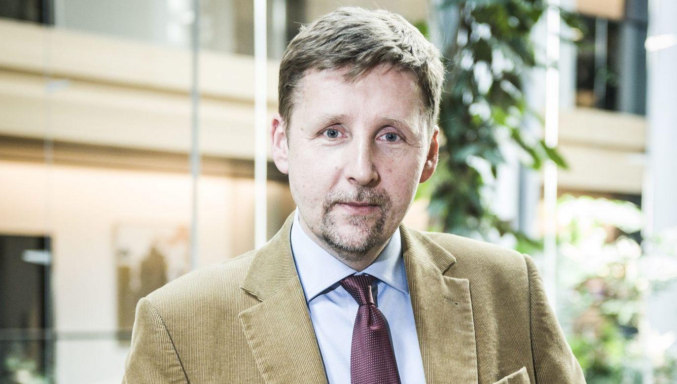 """Znany z niechęci do rządu politolog mówił w TVN, że wyborcy Andrzeja Dudy """"mają inne preferencje mózgowe"""" (fot. arch. PAP/Wiktor Dąbkowski)"""