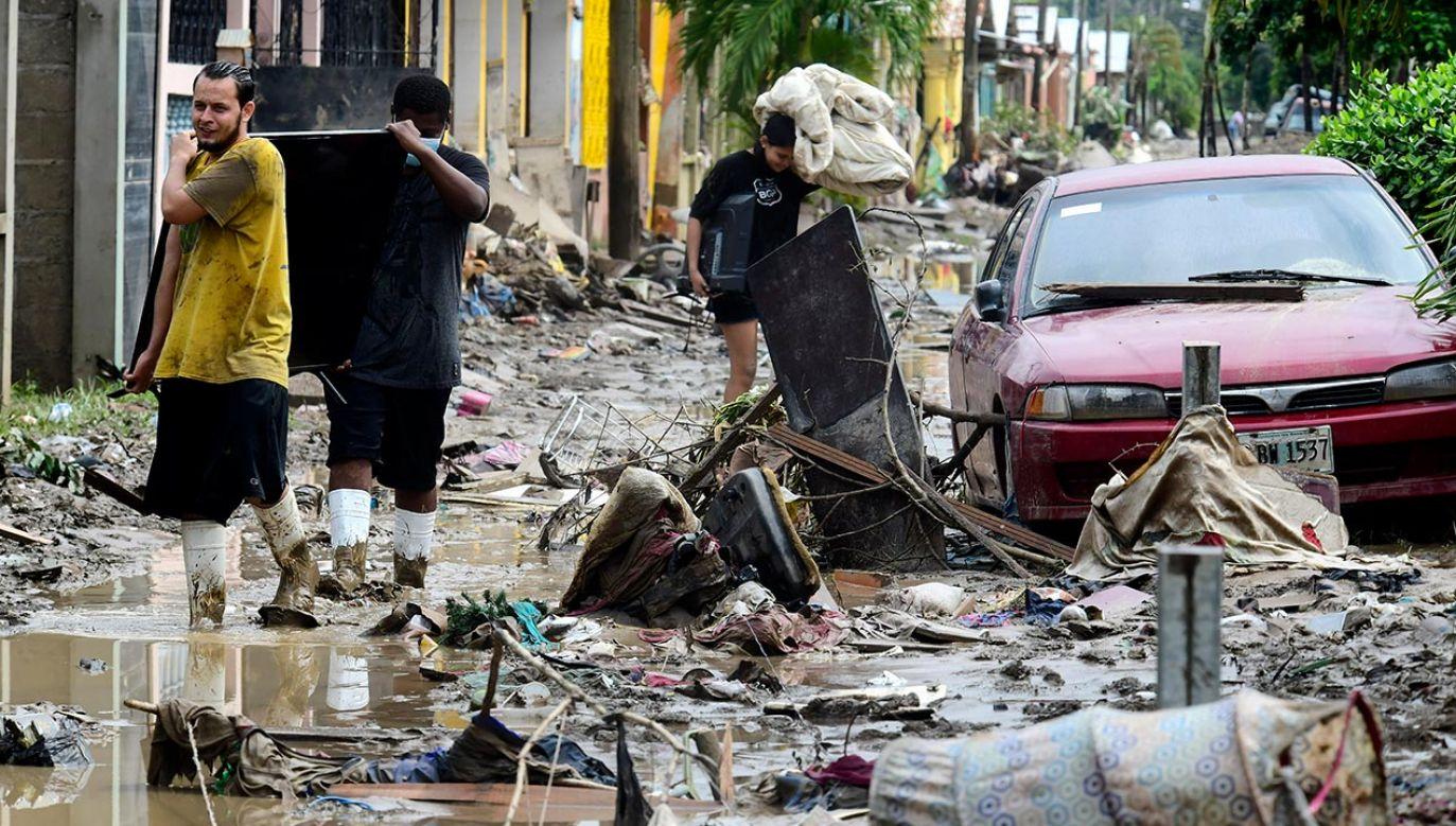 Powódź w Hondurasie dotknęła ok. 4 mln mieszańców (fot.  Yoseph Amaya/Getty Images)