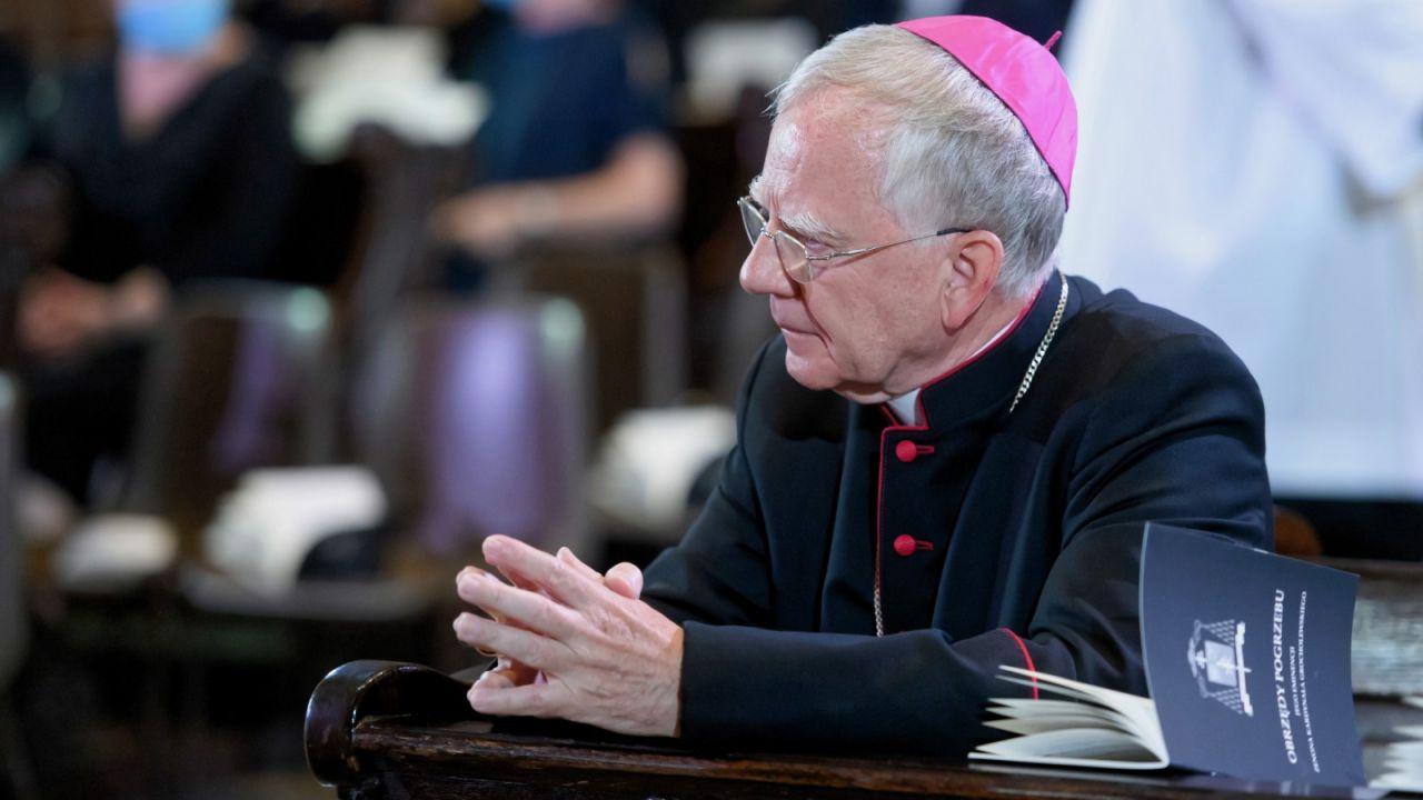 O poszanowanie świętości religijnych i narodowych apelował metropolita krakowski (fot. PAP/Jakub Kaczmarczyk)