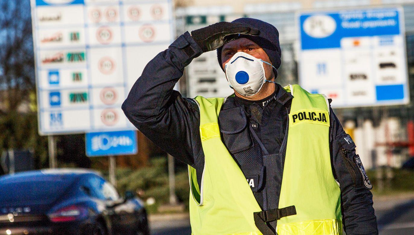 Mężczyźnie może grozić kara za ucieczkę z oddziału – nawet 5 tysięcy złotych (fot. Carsten Koall/Getty Images)