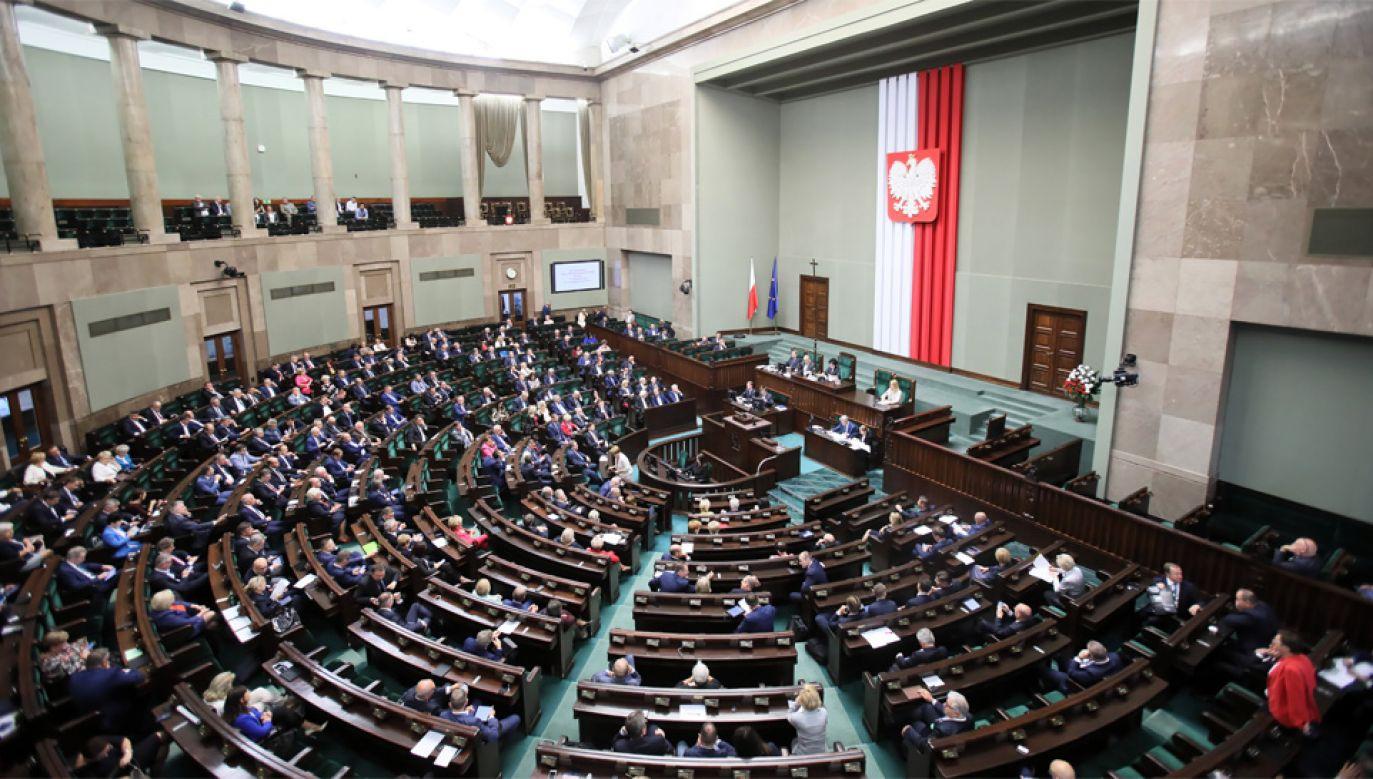 Wybory parlamentarne odbędą się 13 października (fot. PAP/Leszek Szymański)