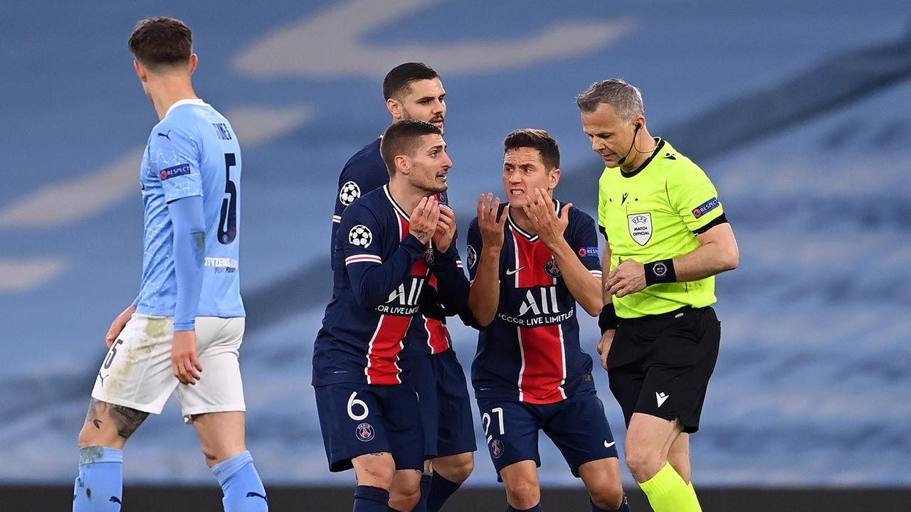 Piłkarze PSG mieli dużo uwag do pracy sędziego (fot. Laurence Griffiths/Getty Images)