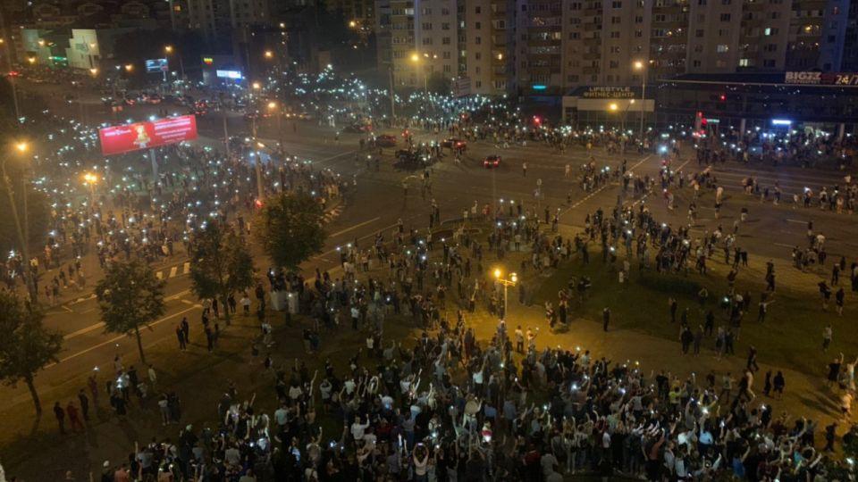 Białoruś.W całym kraju dochodzi do starć z milicja i zatrzymań wieszwięcej - tvp.info