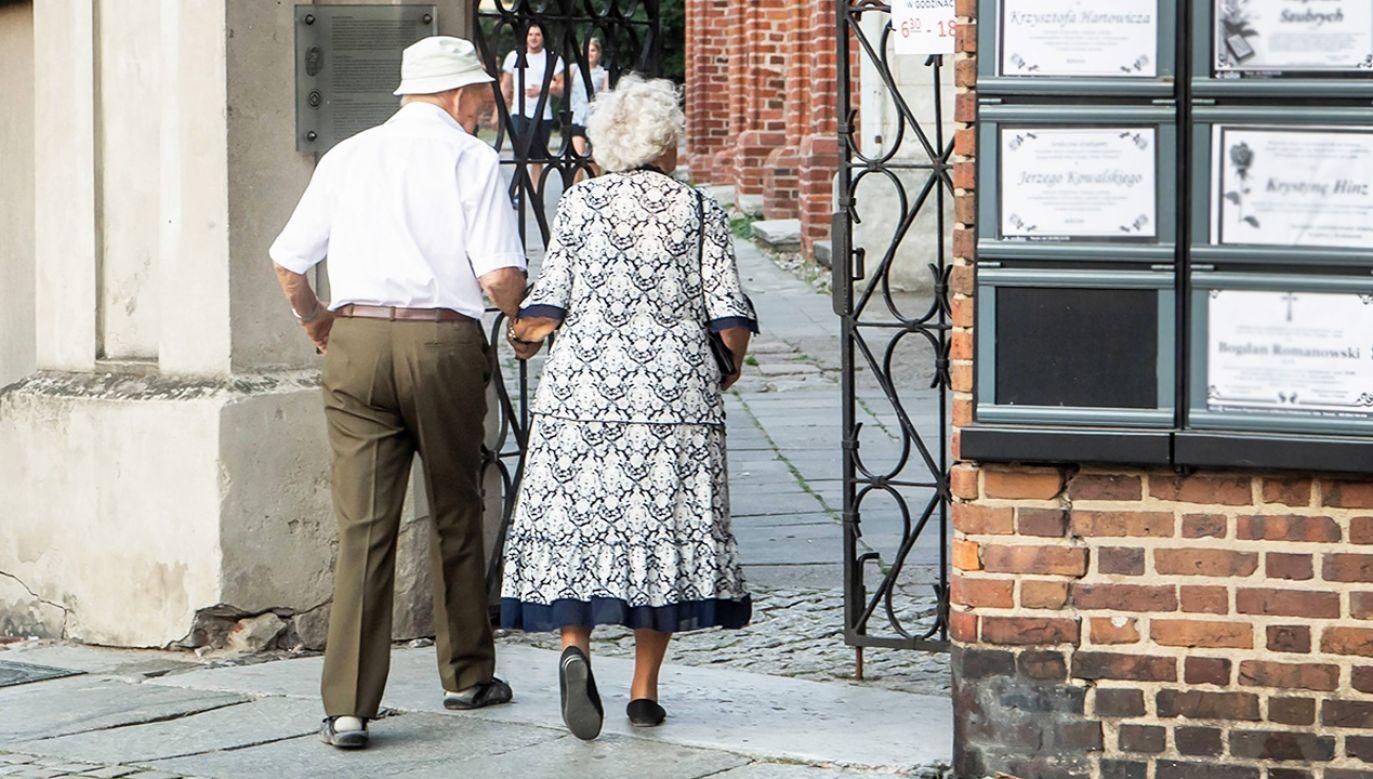 Projekt obywatelski zakłada zwolnienie emerytów i rencistów z obowiązku płacenia podatku dochodowego (fot. arch. PAP/Tytus Żmijewski)
