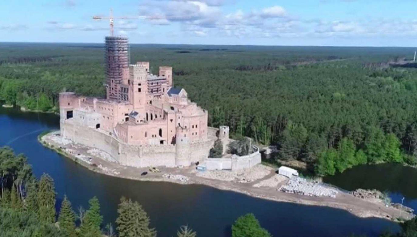 Wciąż nie wiadomo, jaka przyszłość czeka zamek w Stobnicy (fot. TVP)