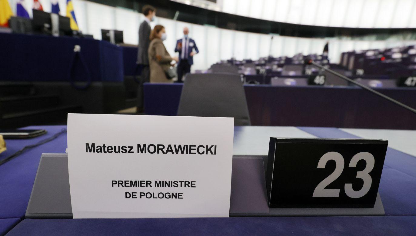 Premier Mateusz Morawiecki w Parlamencie Europejskim (fot. PAP/EPA/ RONALD WITTEK / POOL)