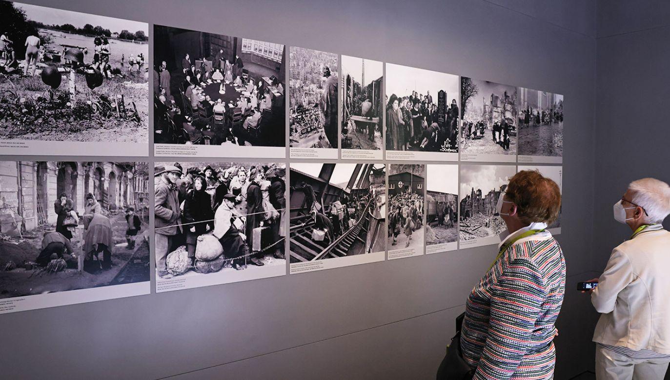 Dzięki zaangażowaniu wolontariuszy część pamiątek powróciła do krewnych ofiar wojny (fot. Sean Gallup/Getty Images)