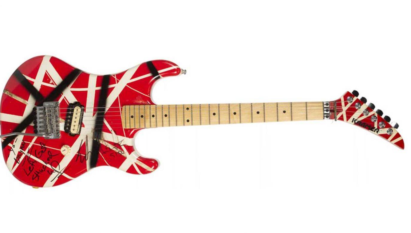 Gitara zmarłego niedawno Eddie'ego Van Halena jest warta kilkadziesiąt tysięcy dolarów (fot. Julien's Auctions/mat.pras.)