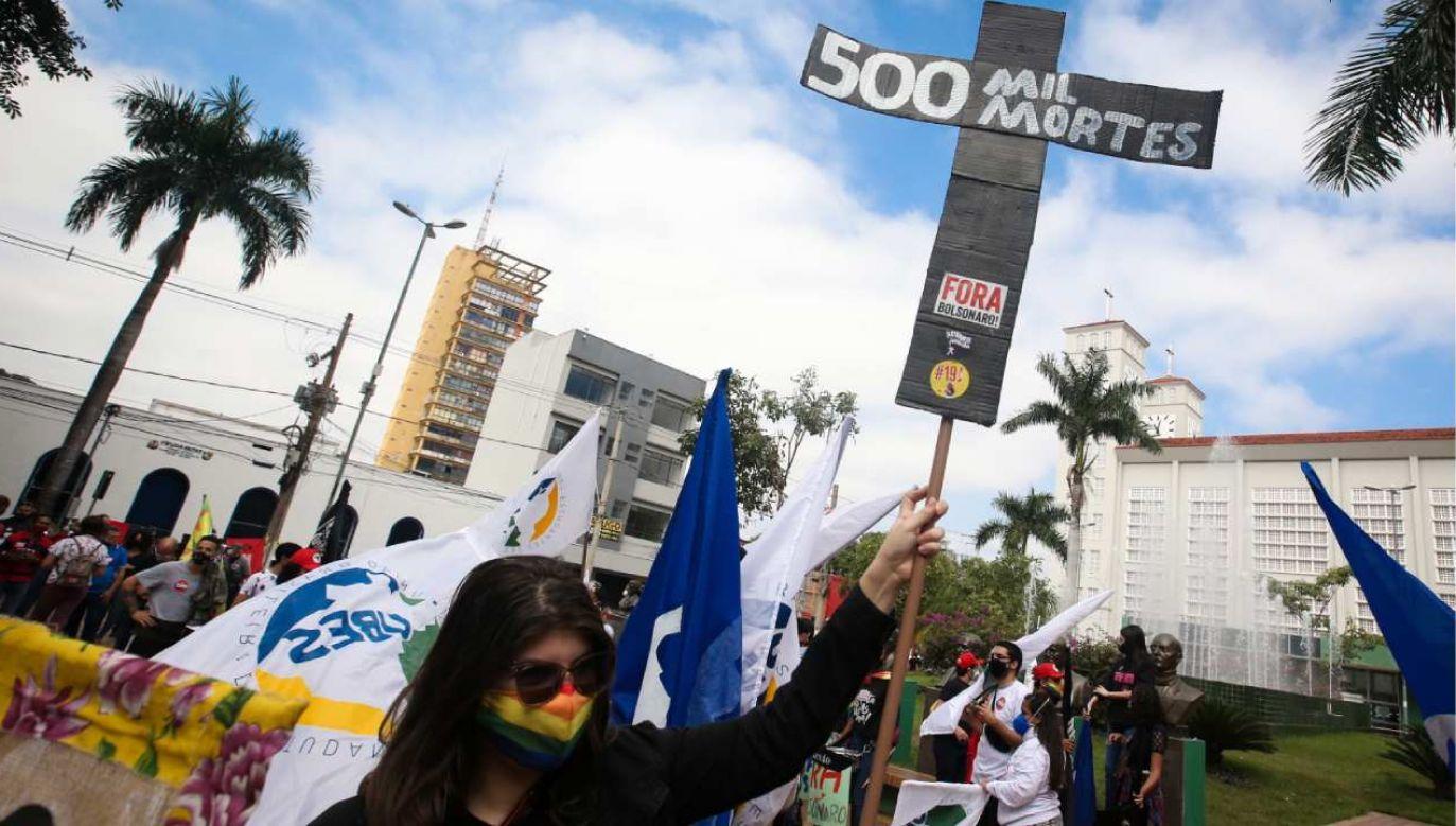 Protesty odbyły się w co najmniej 22 stanach Brazylii (fot. PAP/EPA/Raul Martinez)