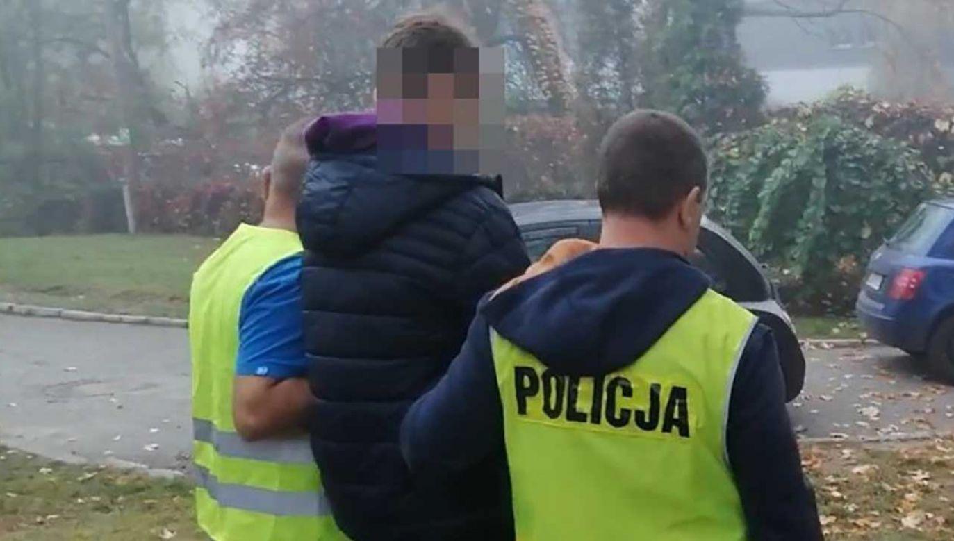 65-letni taksówkarz został przewieziony do szpitala (fot. zabrze.slaska.policja.gov.pl)