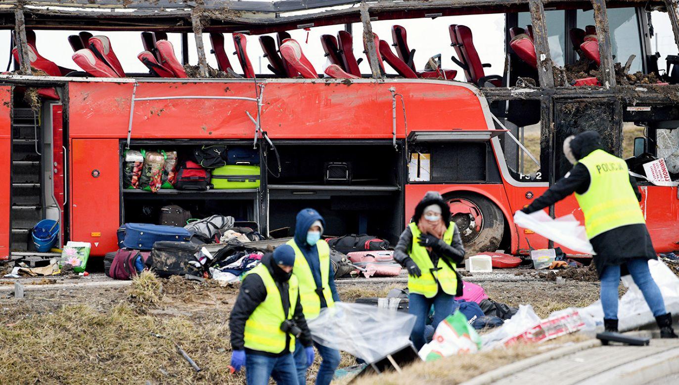 Do wypadku doszło w piątek przed północą w pobliżu MOP Kaszyce (fot. PAP/Darek Delmanowicz)