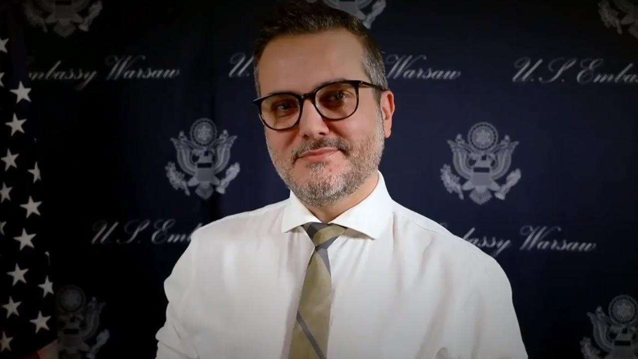 Bix Aliu od ponad półtora roku pełnił funkcję zastępcy szefa ambasady USA w Warszawie. (fot. Twitter/US Embassy Warsaw)