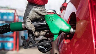 Ograniczenie wydobycia nie wpłynęło na deficyt ropy na rynku (fot. arch. PAP/Wojciech Pacewicz)