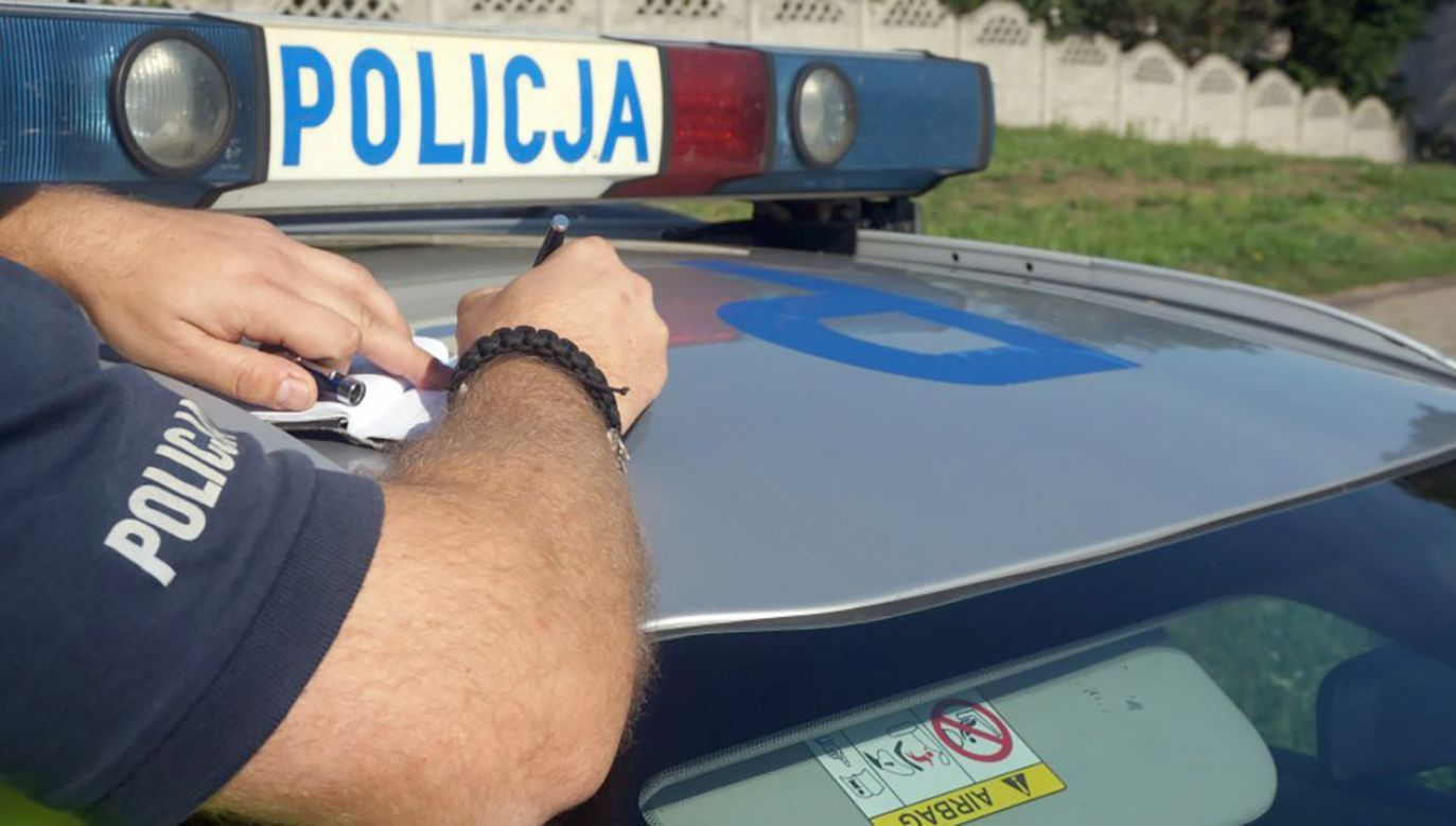 Świadkowie zdarzenia zatrzymali 88-latka i przekazali w ręce policji (fot. KMP w Rybniku)