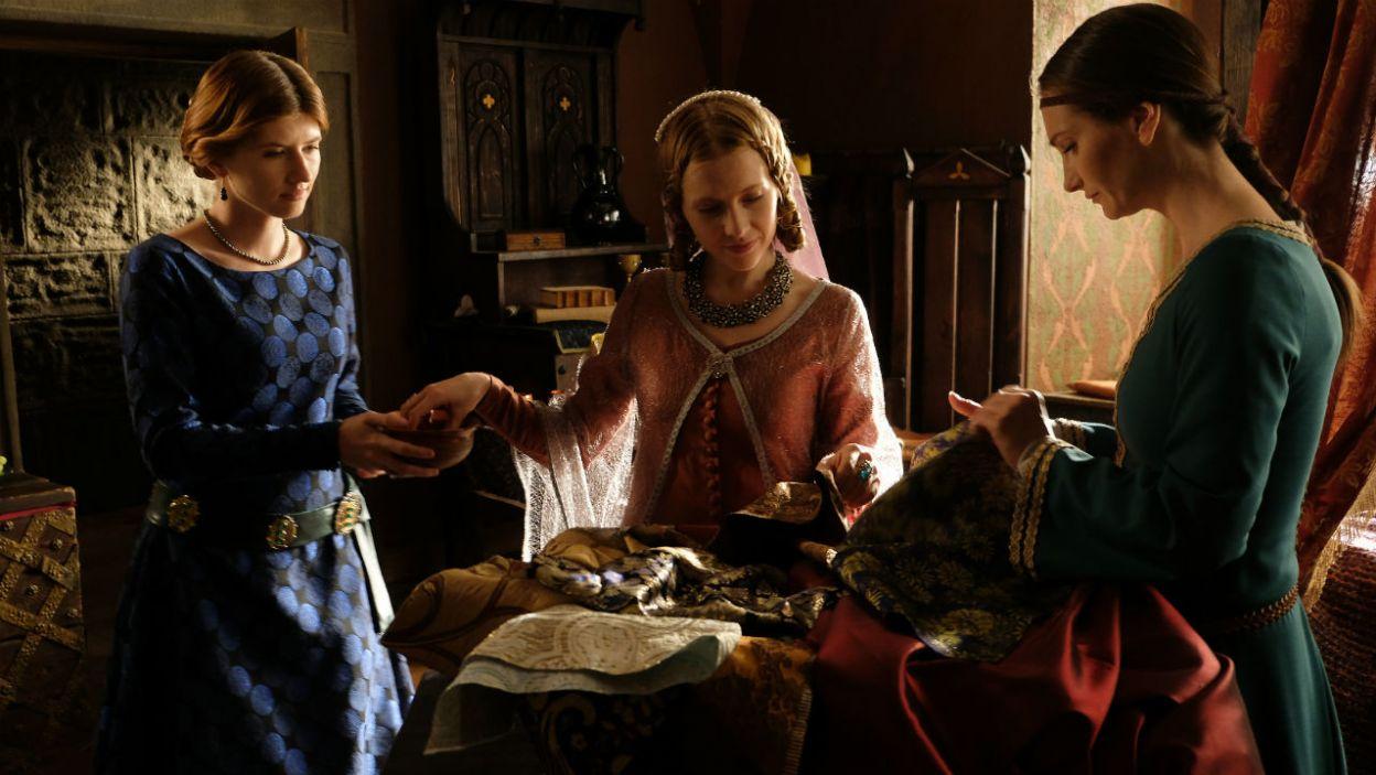 Księżna jest lubiana przez dwór i poddanych (fot. TVP)