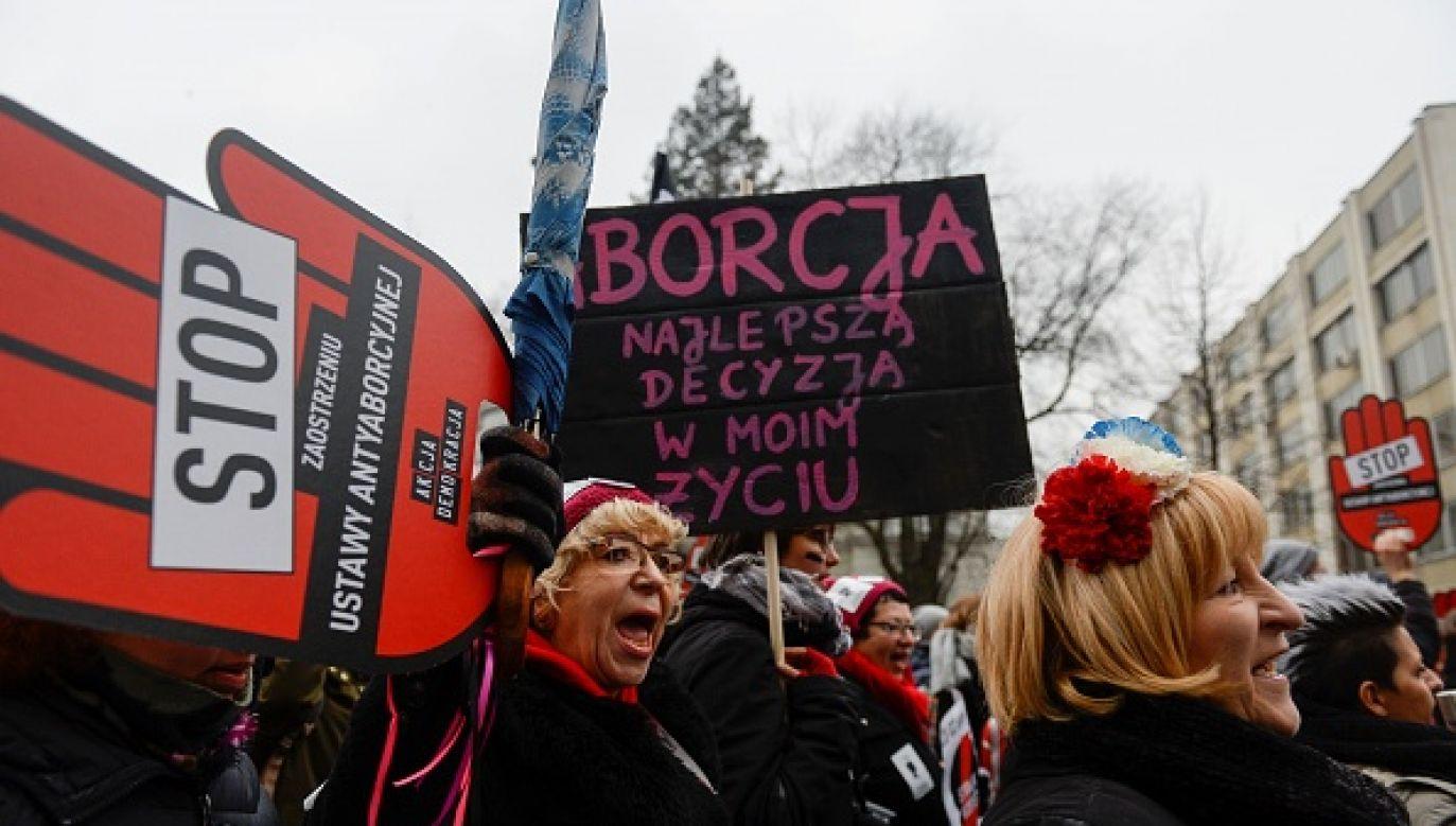 """Deklaruje, że jest osobą wierzącą. """"Ale instytucja Kościoła mnie rozczarowała , kiedy jej przedstawiciele nie zabierali głosu, gdy PiS demontował system sądowniczy"""" (fot. Anadolu Agency/Getty Images)"""