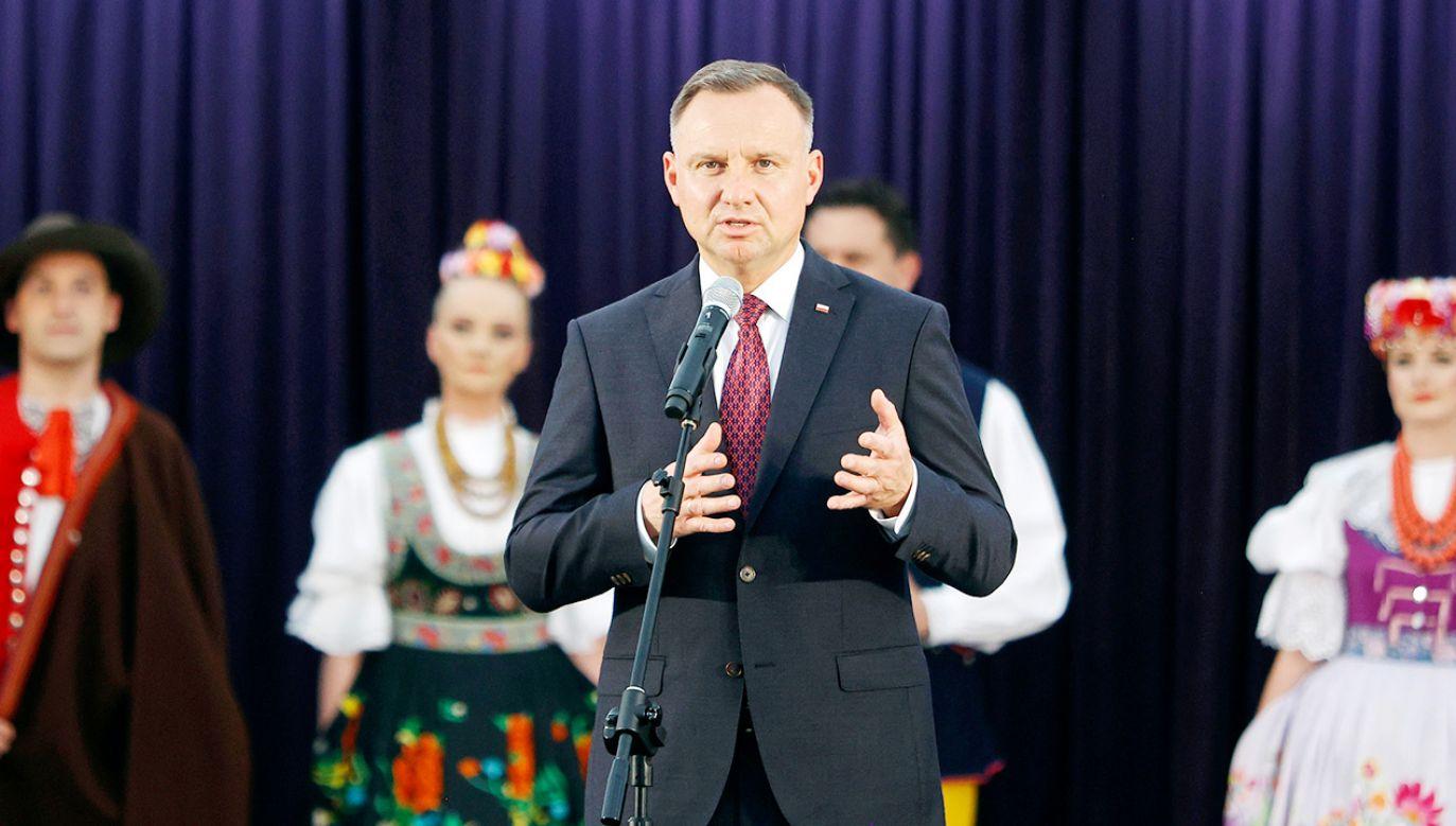 """Prezydent wygłosił przemówienie podczas koncertu Zespołu Pieśni i Tańca """"Śląsk"""" (fot. PAP/Waldemar Deska)"""