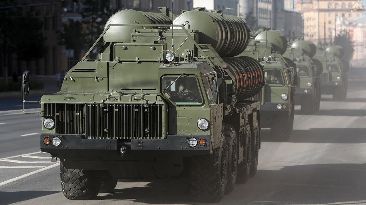 Waszyngton wielokrotnie krytykował Ankarę za zakup S-400 (fot. Anton Novoderezhkin\TASS via Getty Images)