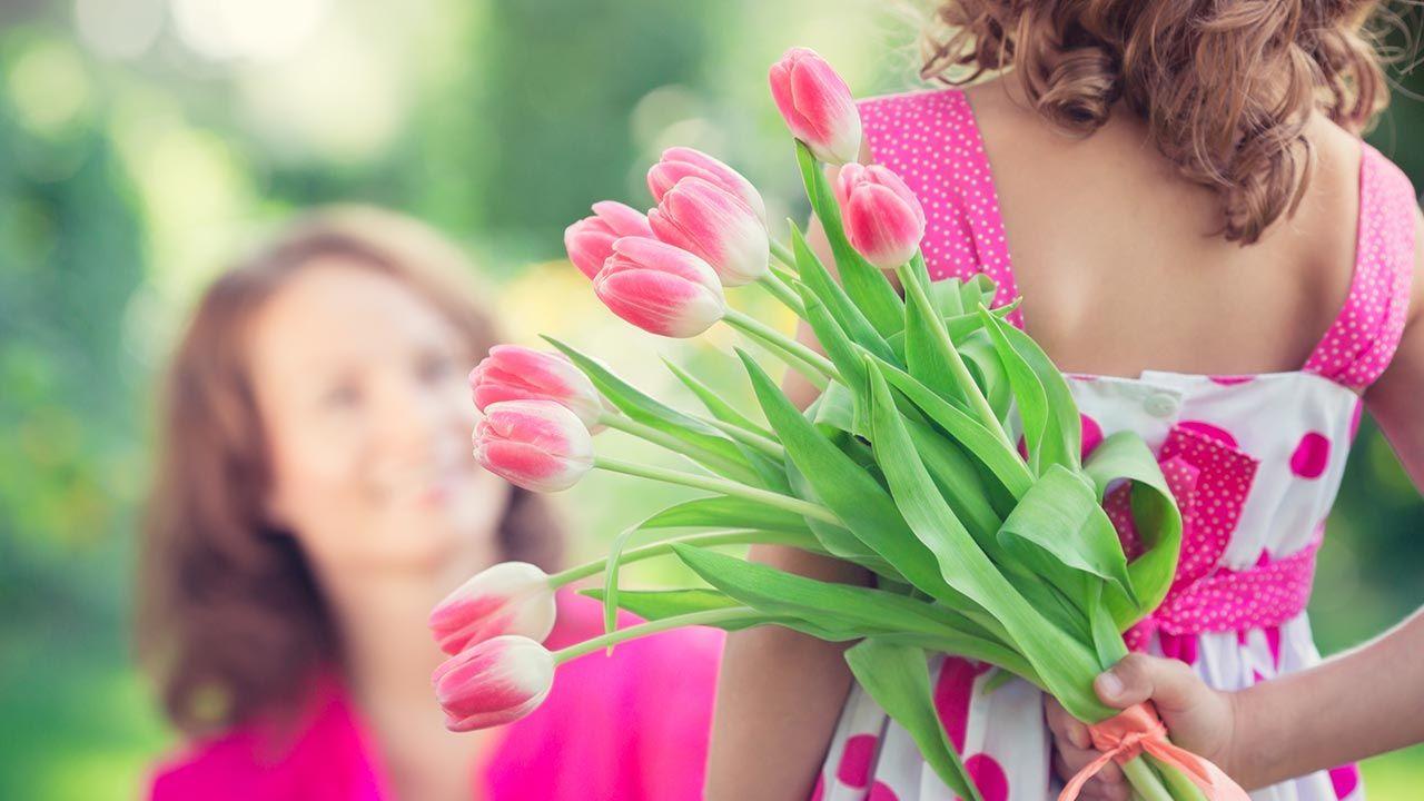 Dziś Dzień Matki (fot. Shutterstock/Sunny studio)