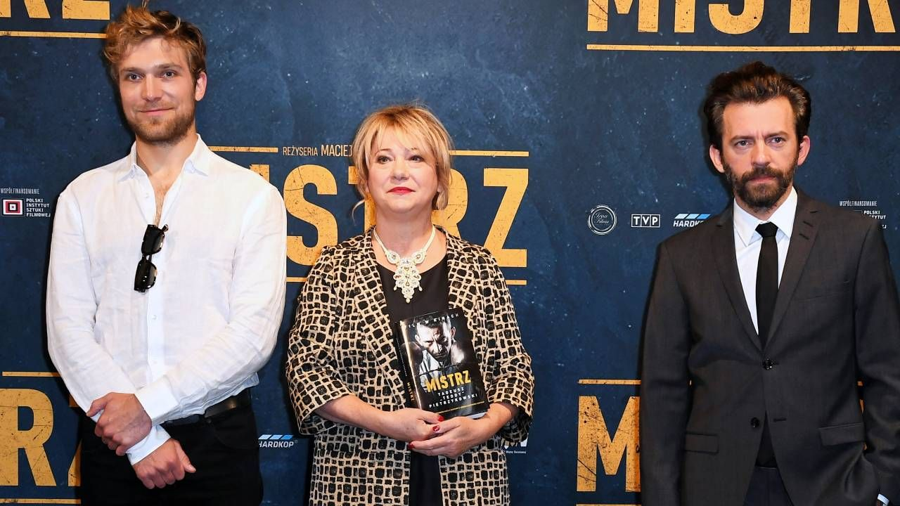 W rolę Tadeusza Pietrzykowskiego wcielił się Piotr Głowacki (z prawej; fot. PAP/Adam Warżawa)