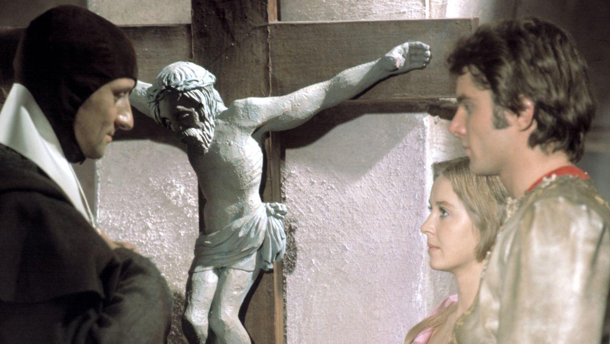 """Reżyser chętnie sięgał po klasykę. """"Romeo i Julia"""" Szekspira z 1974 roku (fot. TVP)"""