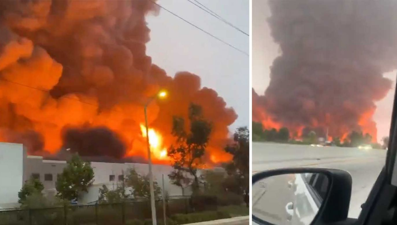W wyniku pożaru zawalił się dach magazynu (fot. TT/ imaccswift; naye_lara18)