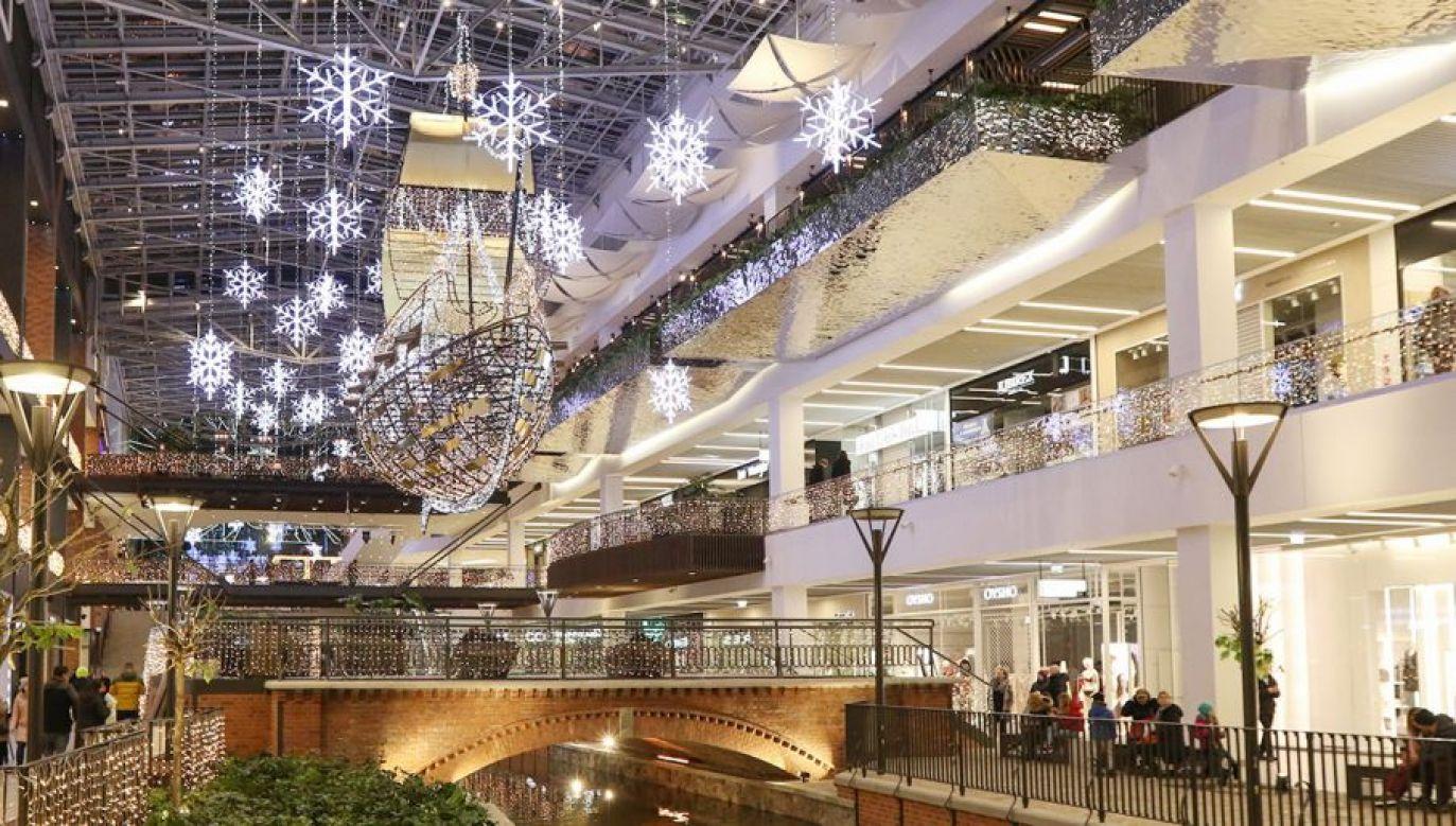 Rząd zaproponował, by sklepy były czynne 6 grudnia (fot. Michal Fludra/NurPhoto via Getty Images)