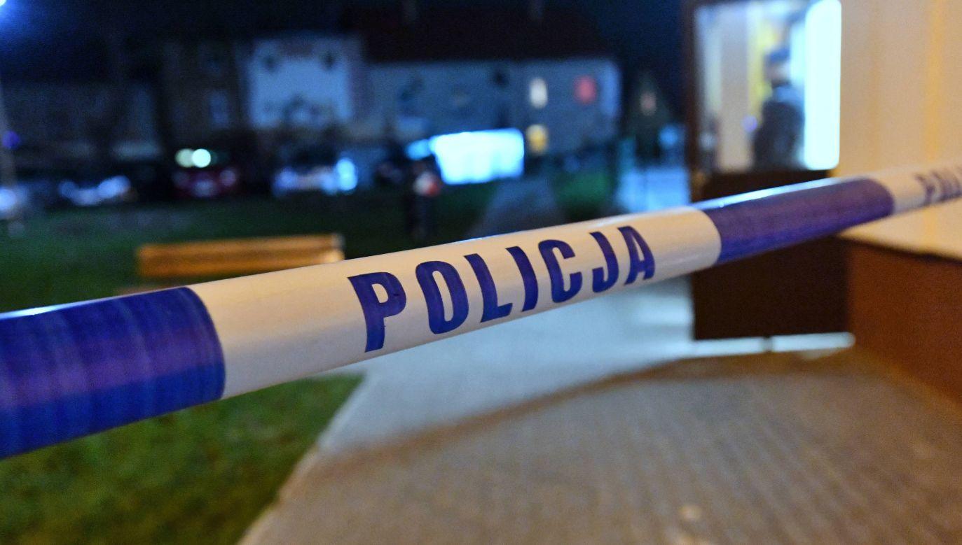 Na miejscu pracowała policja i prokurator (fot.arch.PAP/Marcin Bielecki)