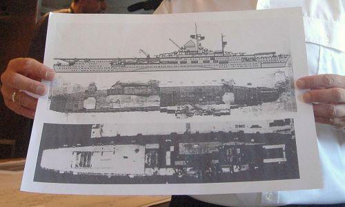 """Groźne jest też paliwo z zatopionych okrętów. Ostatnio głośno było m. in. o niemieckim tankowcu """"Franken"""", leżącym kilka mil morskich na południowy wschód od Helu, w którym może być ponad 1,5 mln litrów ropt. Na zdjęciu obrazy sonarowe ok. 250-metrowego wraku hitlerowskiego lotniskowca Graf Zeppelin, zatopionego przez Rosjan. Fot. PAP/Stefan Kraszewski"""