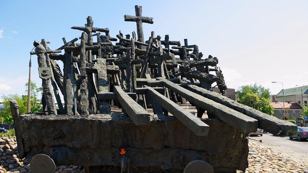 Uroczystości rocznicowe odbędą się m.in. przy stołecznym pomniku Poległym i Pomordowanym na Wschodzie (fot. Shutterstock/Dariusz Leszczynski)