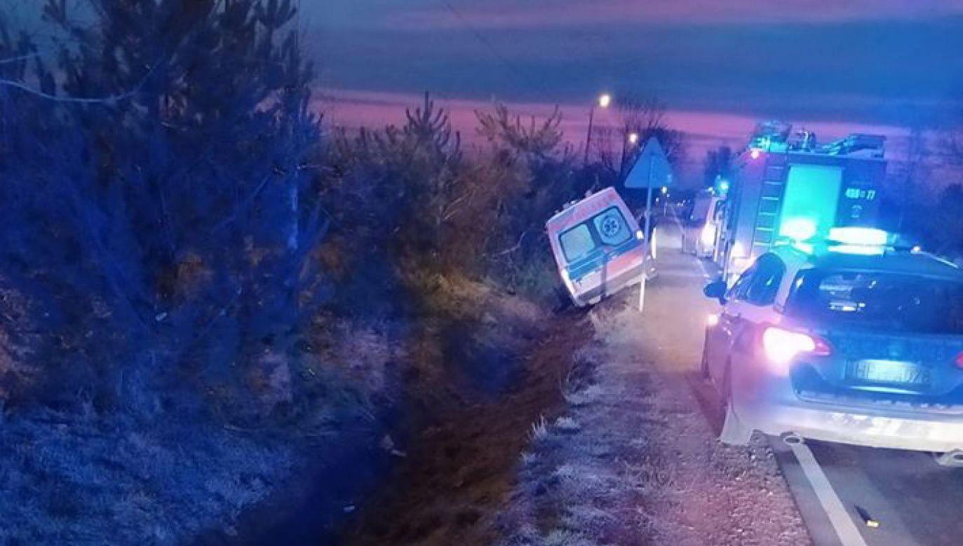 Pacjent-uciekinier zakończył podróż w rowie we wsi Jasieniec koło Grójca (fot. FB/OSPJasieniec)