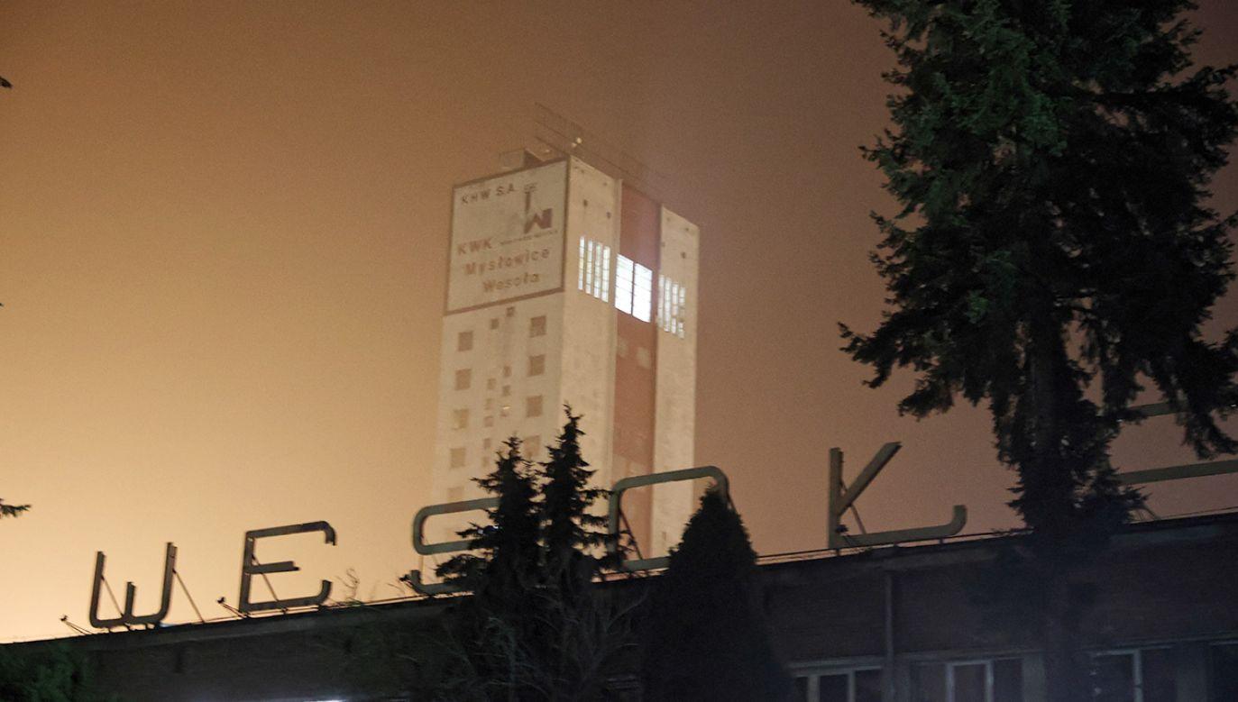 W akcji w kopalni Mysłowice-Wesoła uczestniczyło kilkudziesięciu ratowników (fot. PAP/Andrzej Grygiel)