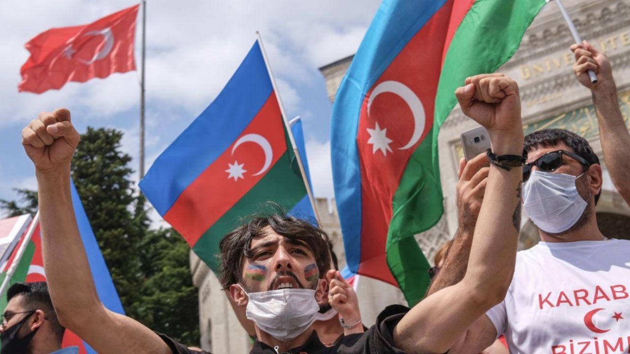 Protesty to pokłosie nasilającego się konfliktu na linii Armenia – Azerbejdżan (fot. PAP/EPA/SEDAT SUNA)
