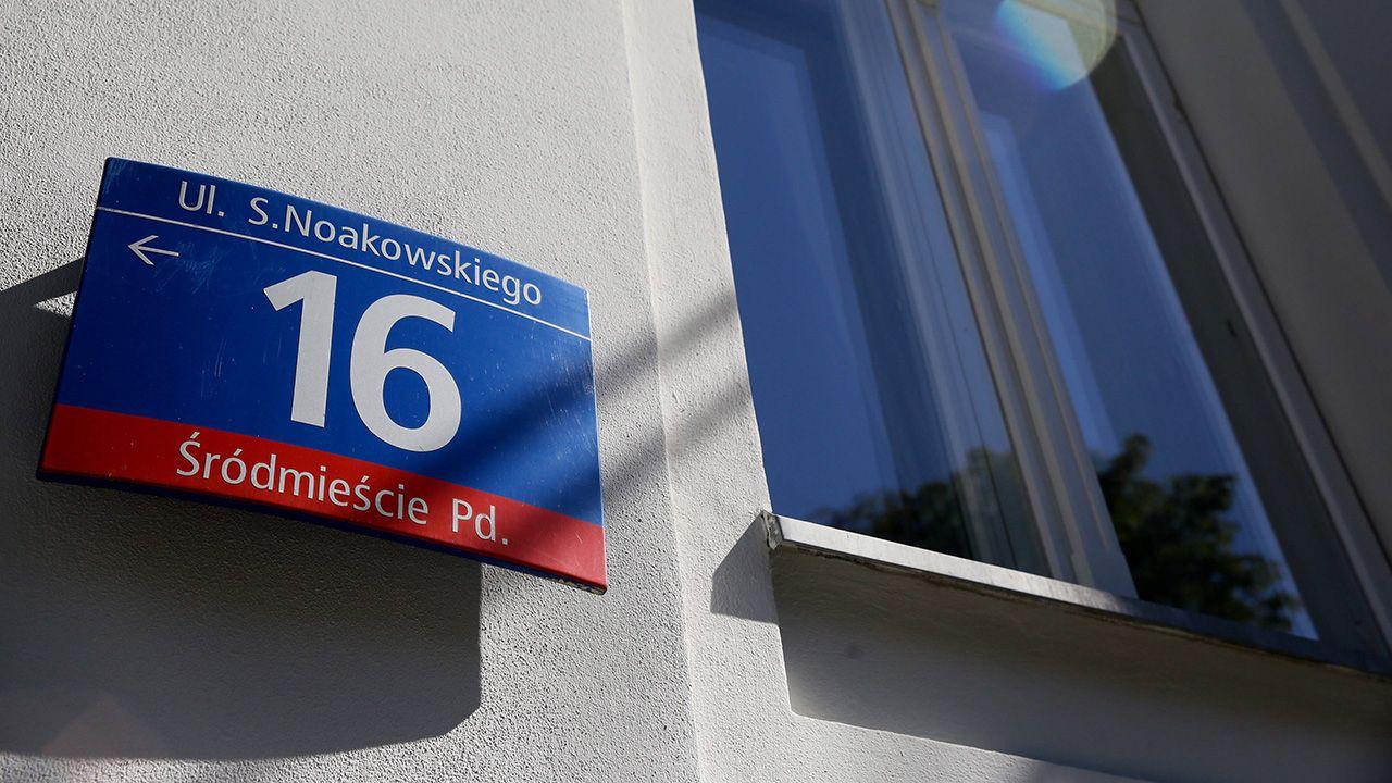 Budynek przy ulicy Noakowskiego 16 w Warszawie (fot. arch. PAP/ Tomasz Gzell)