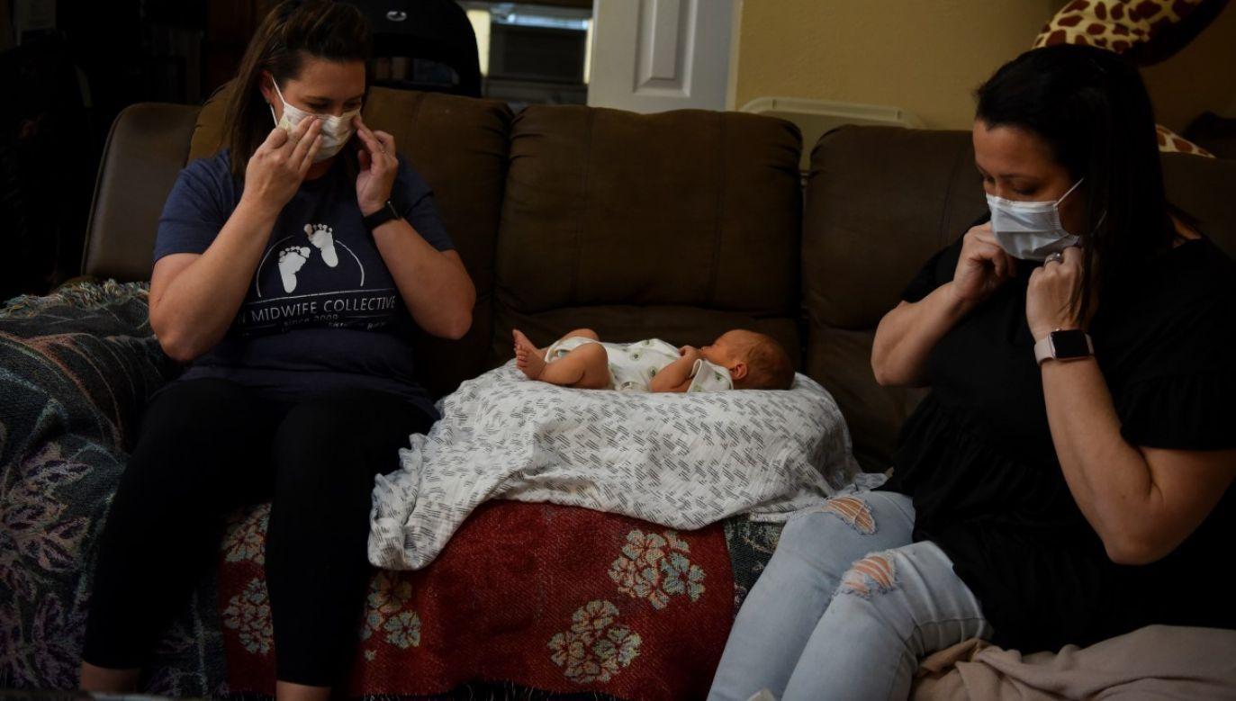 Według ekspertów w 2021 roku w będzie o 300 tysięcy mniej urodzeń niż szacowano przed pandemią(fot. REUTERS/Callaghan O'Hare)