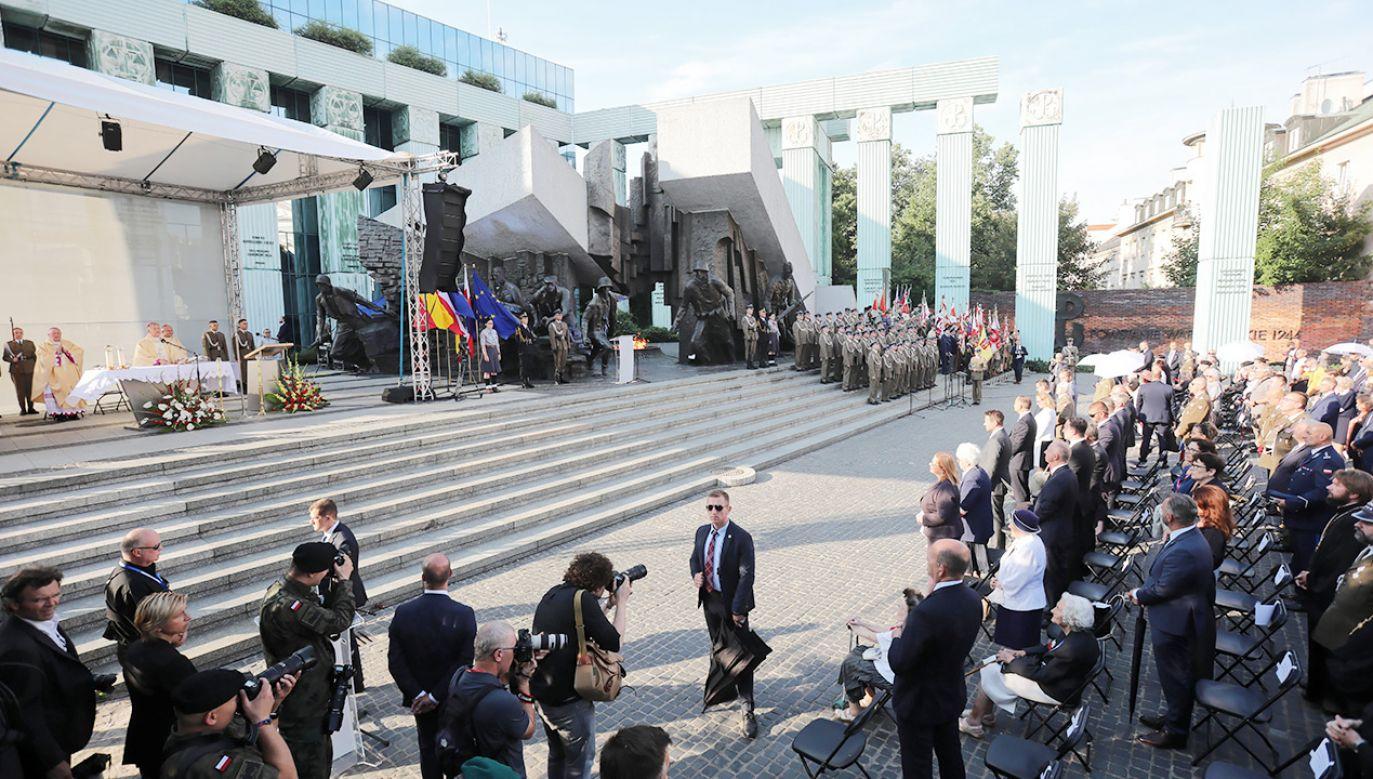 Obchody 77. rocznicy wybuchu Powstania Warszawskiego w stolicy (fot. PAP/Wojciech Olkuśnik)